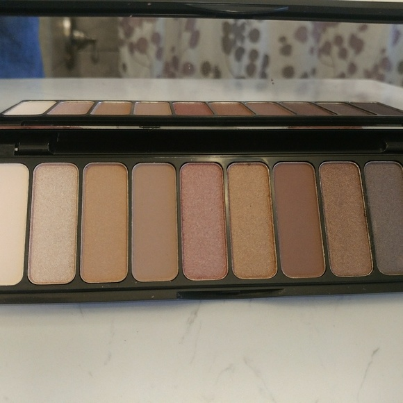 ELF Other - e.l.f. Eyeshadow Palette - Rose Gold Nude